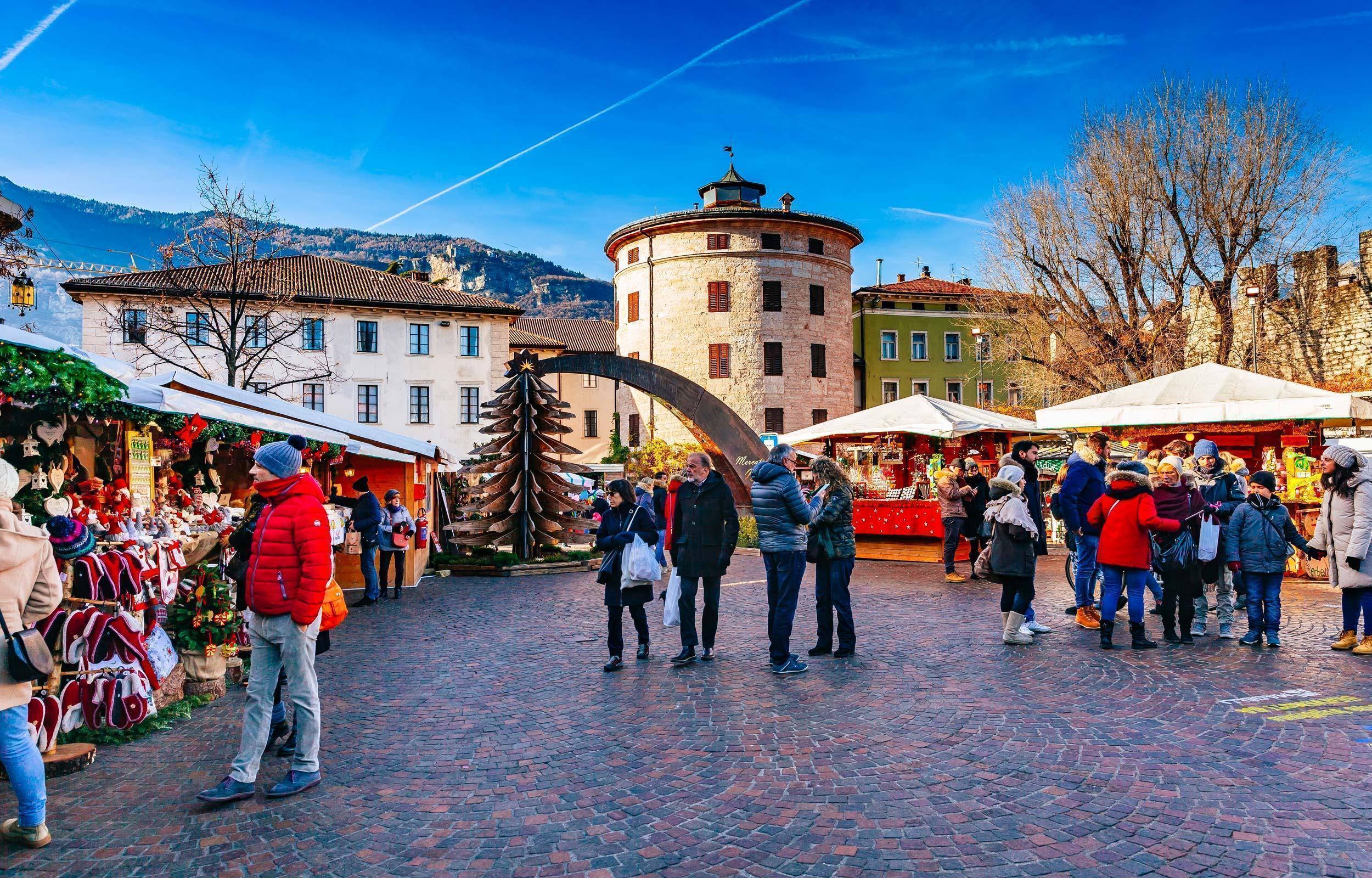 Mercatini di Natale in Valsugana: Levico, Trento, Rovereto