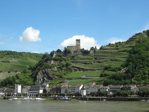 11. Valle del Reno: castelli e roccaforti dominano un paesaggio rilassante che sarà fonte d'ispirazione di gloriose leggende