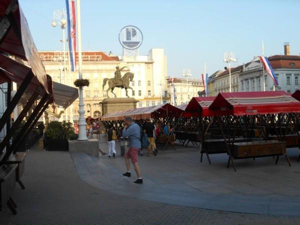 Città Bassa: piazza Bana Jelačića