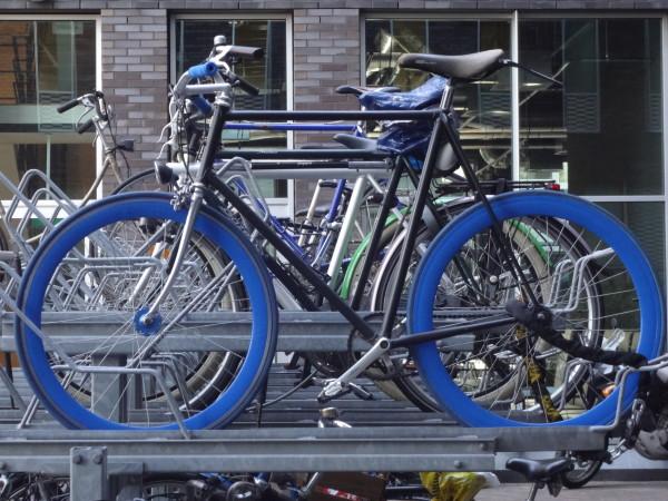 20. Amsterdam: un amore di città! Una frenesia di biciclette e di variegate fogge umane; una città straordinariamente cosmopolita e coinvolgente