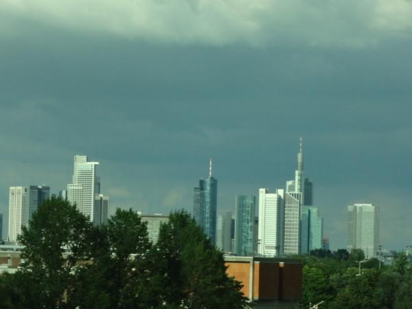 3. Francoforte: polo finanziario della Germania con uno skyline futuristico