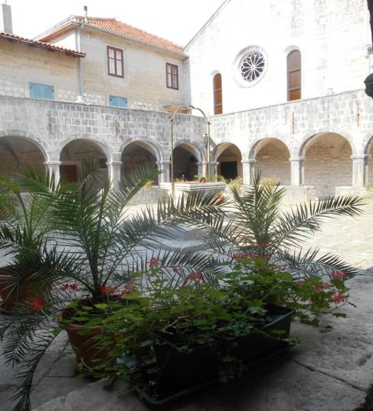 Chiostro del monastero a Košljun