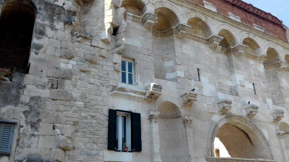 Spalato, tratto delle mura imperiali tuttora abitato