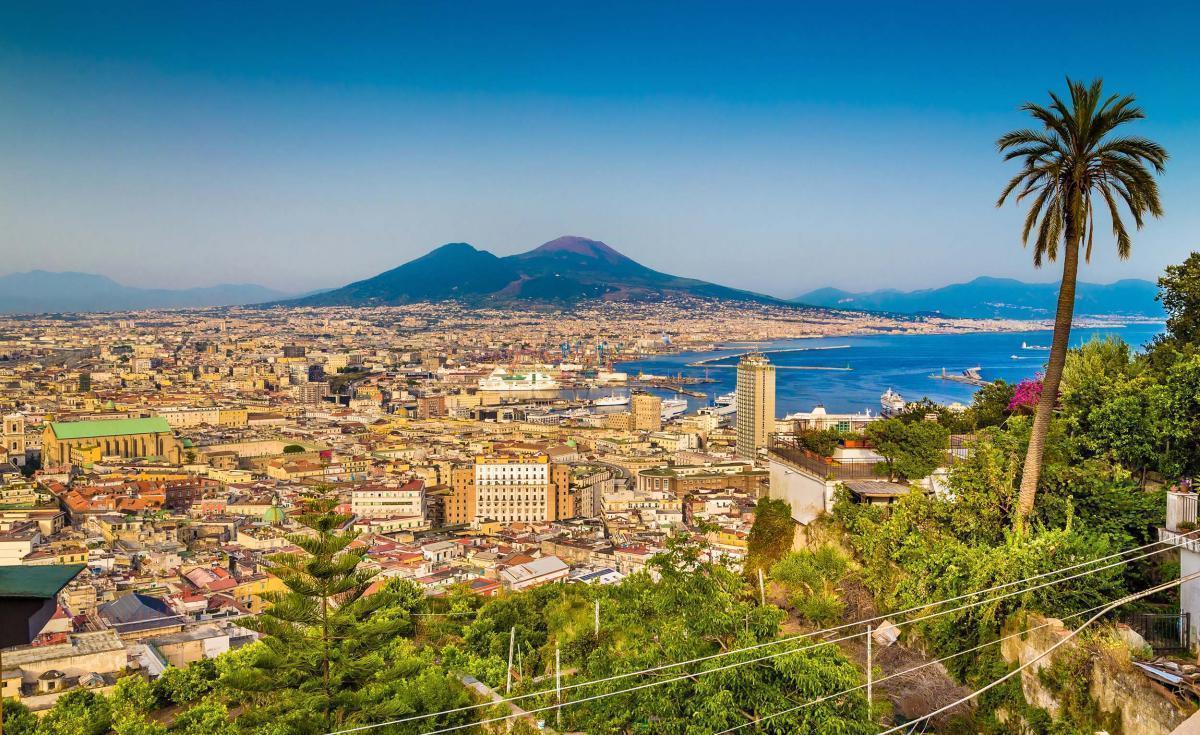Nel Paese del Sole : Napoli, Pompei, Capri, Costiera Amalfitana e Reggia di Caserta