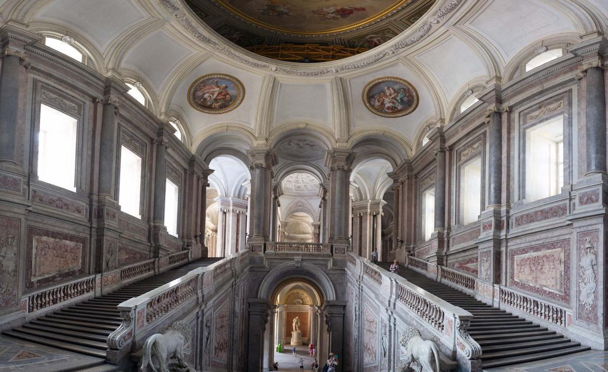 Tour del Cilento, tra Terra e Mare: Paestum, Castellabate, Certosa di Padula e Pompei