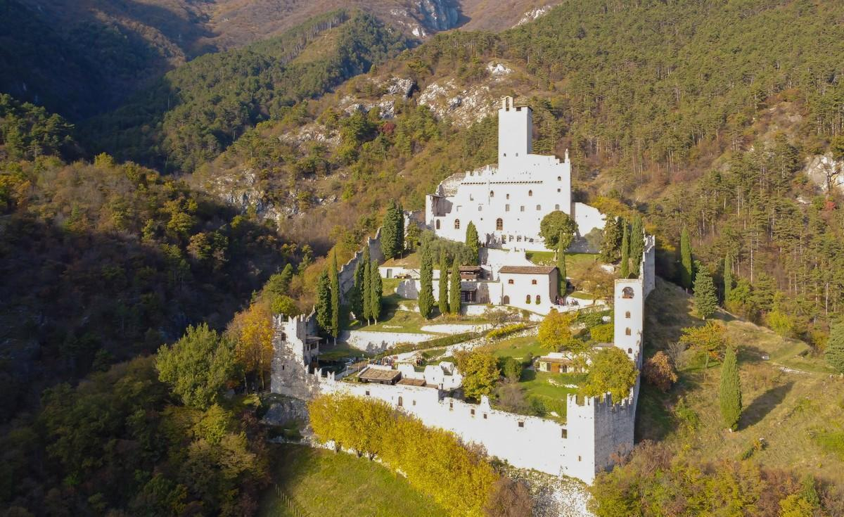 I Castelli Del Trentino Alto Adige Caldana Europe Travel